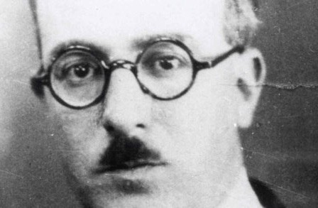 Reading: Autopsychography by Fernando Pessoa